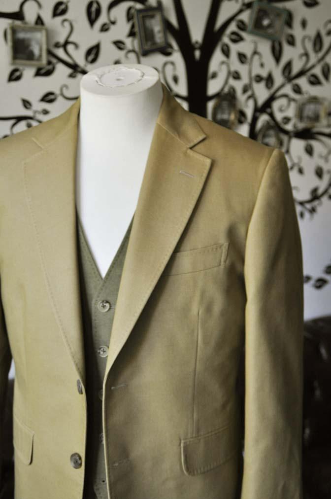 DSC2030-1 お客様のウエディング衣装の紹介- ベージュジャケット/グリーンベスト-DSC2030-1 お客様のウエディング衣装の紹介- ベージュジャケット/グリーンベスト- 名古屋市のオーダータキシードはSTAIRSへ