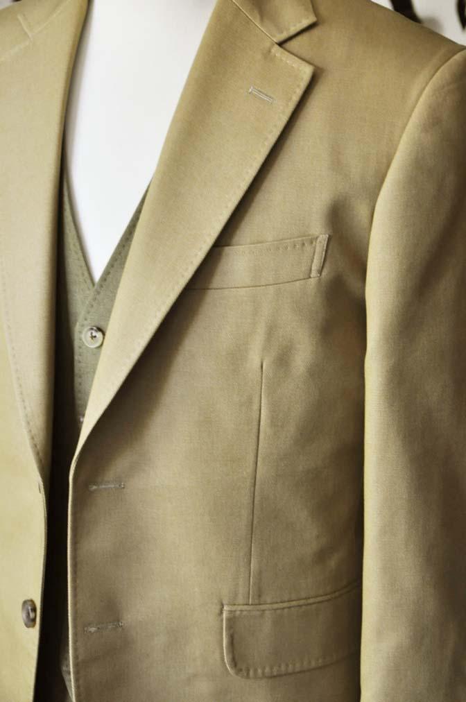 DSC2032-1 お客様のウエディング衣装の紹介- ベージュジャケット/グリーンベスト-DSC2032-1 お客様のウエディング衣装の紹介- ベージュジャケット/グリーンベスト- 名古屋市のオーダータキシードはSTAIRSへ