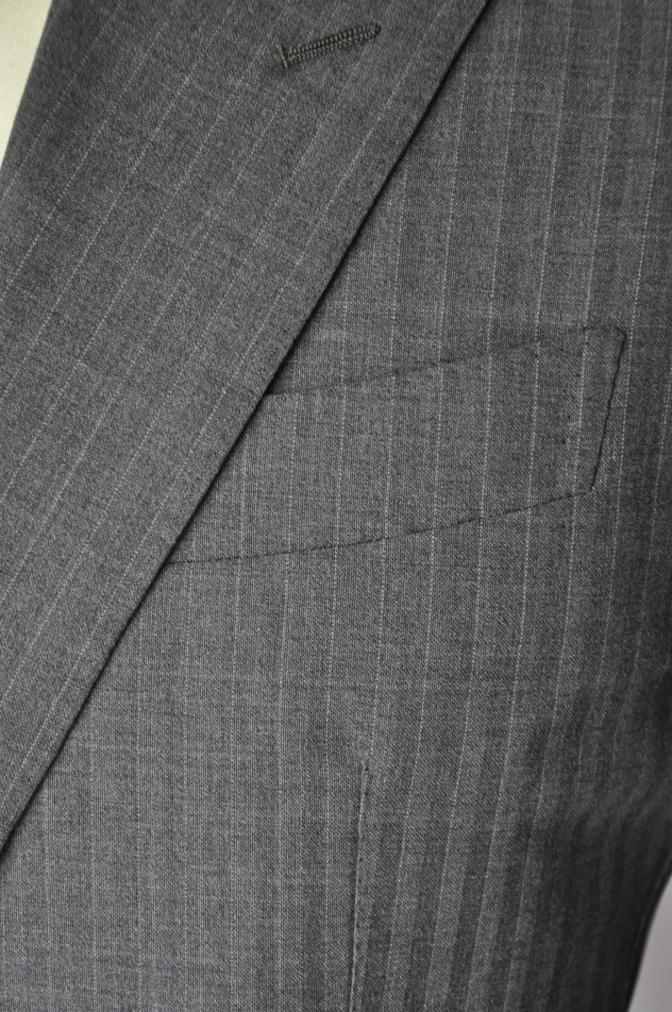 DSC2033 お客様のスーツの紹介- REDA グレーストライプ-