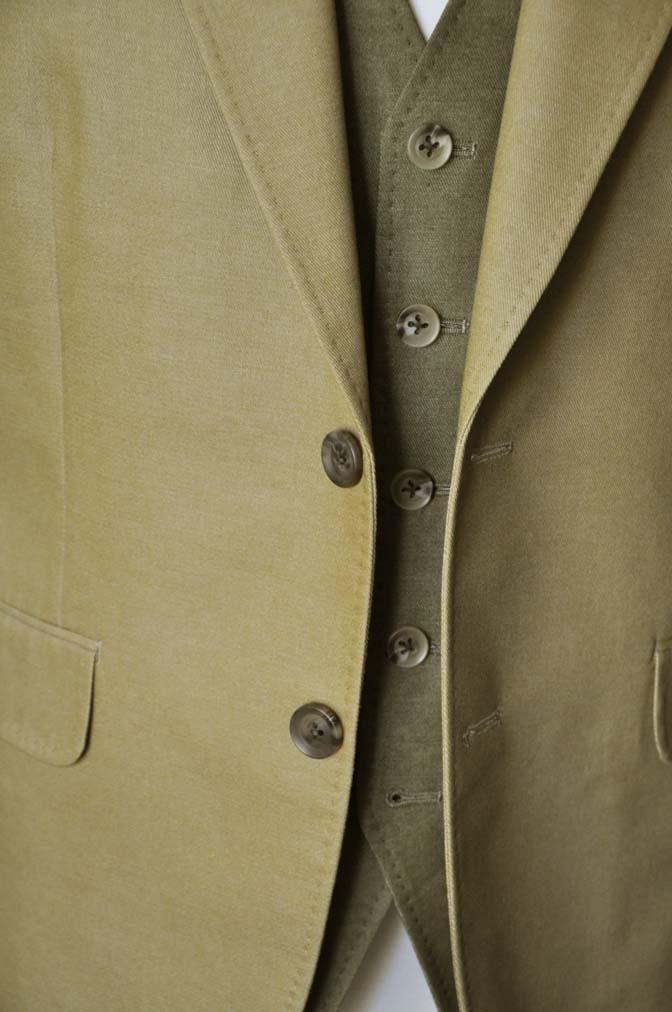 DSC2034-1 お客様のウエディング衣装の紹介- ベージュジャケット/グリーンベスト-DSC2034-1 お客様のウエディング衣装の紹介- ベージュジャケット/グリーンベスト- 名古屋市のオーダータキシードはSTAIRSへ