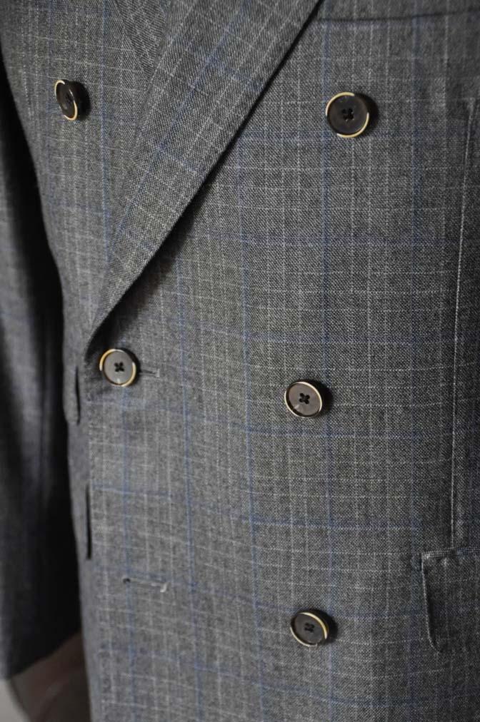 DSC20362 お客様のスーツの紹介- DARROWDALE グレーチェック6*2ダブルスーツ-
