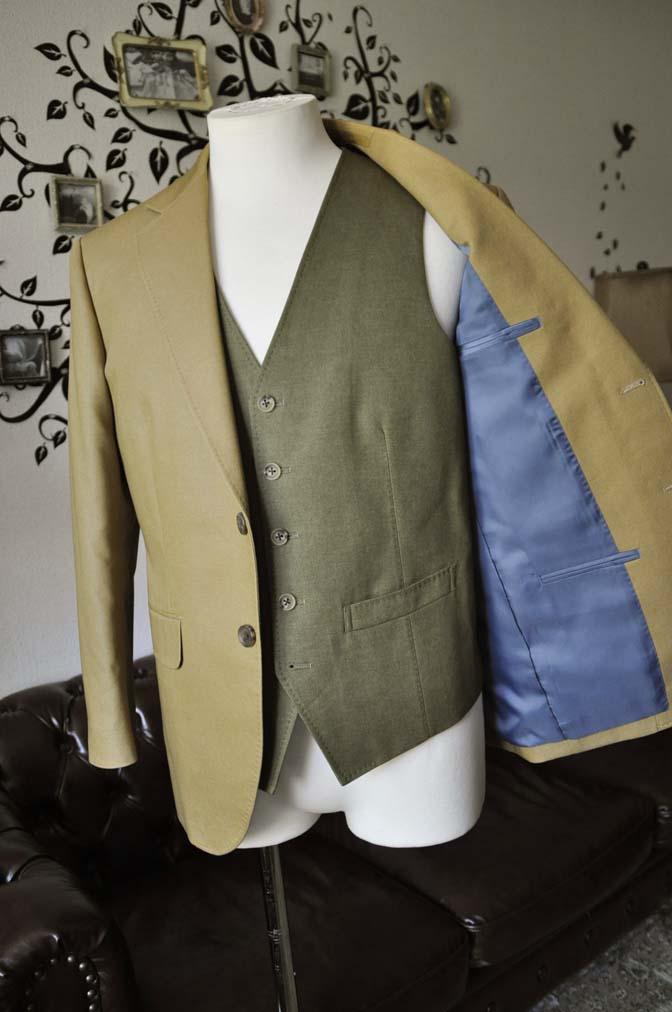 DSC2038-1 お客様のウエディング衣装の紹介- ベージュジャケット/グリーンベスト-DSC2038-1 お客様のウエディング衣装の紹介- ベージュジャケット/グリーンベスト- 名古屋市のオーダータキシードはSTAIRSへ