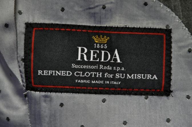 DSC2038 お客様のスーツの紹介- REDA グレーストライプ-