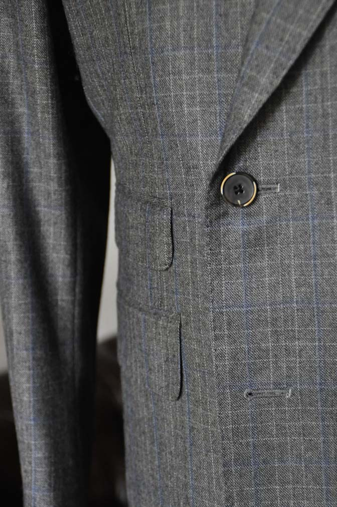 DSC2039 お客様のスーツの紹介- DARROWDALE グレーチェック6*2ダブルスーツ-