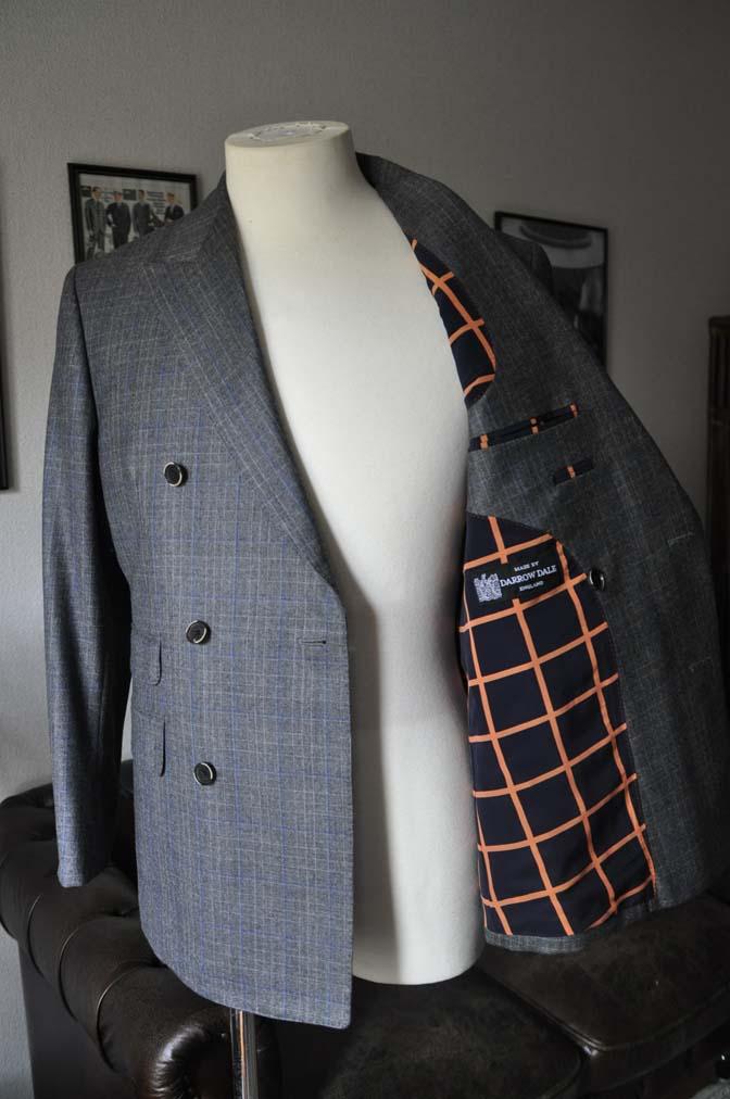 DSC20411 お客様のスーツの紹介- DARROWDALE グレーチェック6*2ダブルスーツ-