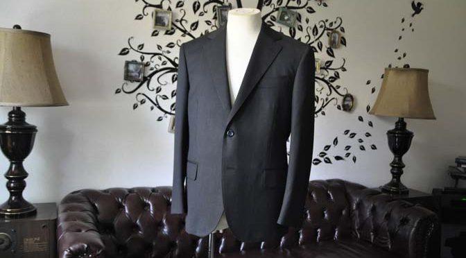 お客様のスーツの紹介-CANONICO無地チャコールグレースーツ-