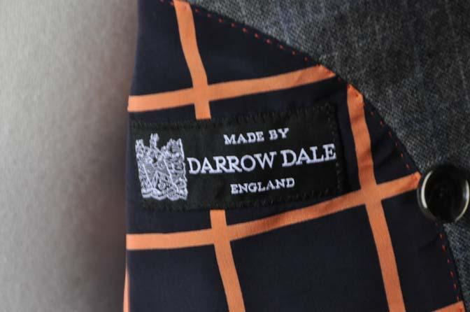 DSC20441 お客様のスーツの紹介- DARROWDALE グレーチェック6*2ダブルスーツ-