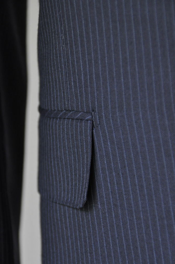 DSC20513 お客様のスーツの紹介-ALFRED BROWN ネイビーストライプ- 名古屋の完全予約制オーダースーツ専門店DEFFERT