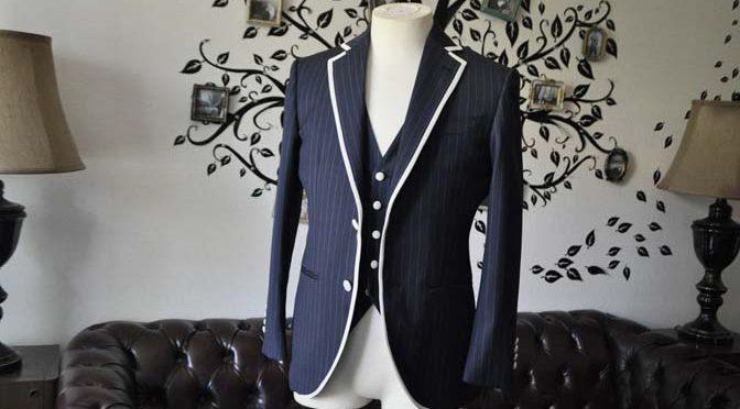 お客様のウエディング衣装の紹介- Biellesiネイビーストライプパイピングジャケット-