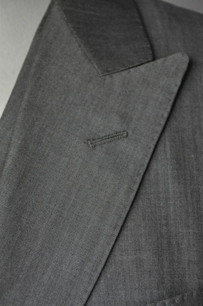 DSC2064 お客様のウエディング衣装の紹介- グレースリーピーススーツ-