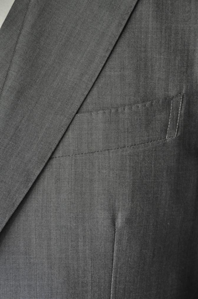 DSC2065 お客様のウエディング衣装の紹介- グレースリーピーススーツ-