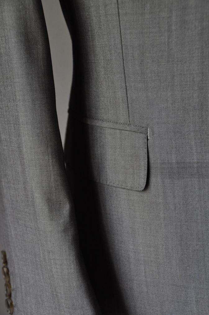 DSC2069 お客様のウエディング衣装の紹介- グレースリーピーススーツ-