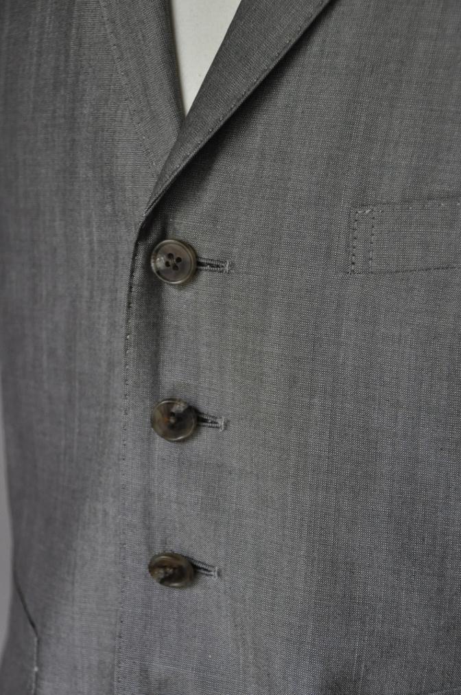 DSC2074 お客様のウエディング衣装の紹介- グレースリーピーススーツ-