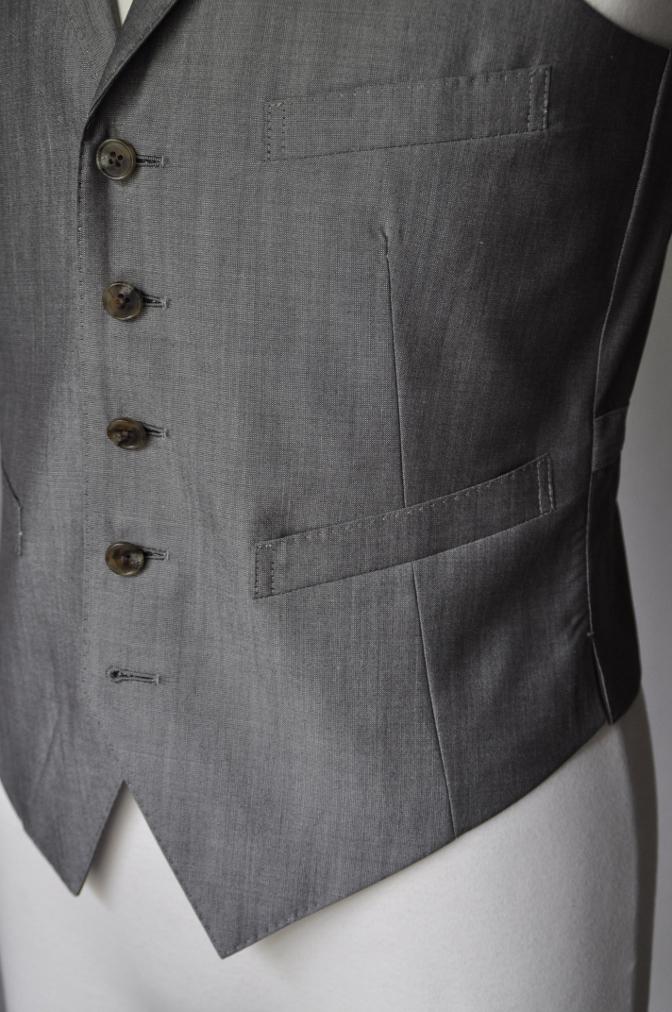 DSC2075 お客様のウエディング衣装の紹介- グレースリーピーススーツ-