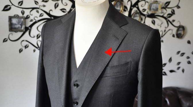 スーツのパーツ名称 「ラペル」