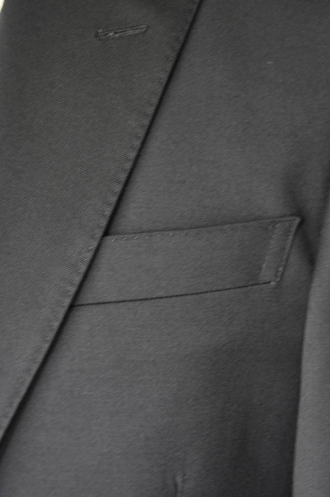 DSC2088 お客様のスーツの紹介- BIELLESI ブラックスリーピーススーツ-