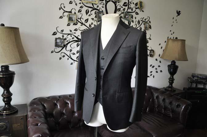 DSC2089 スーツのパーツ名称 「ラペル」 名古屋の完全予約制オーダースーツ専門店DEFFERT
