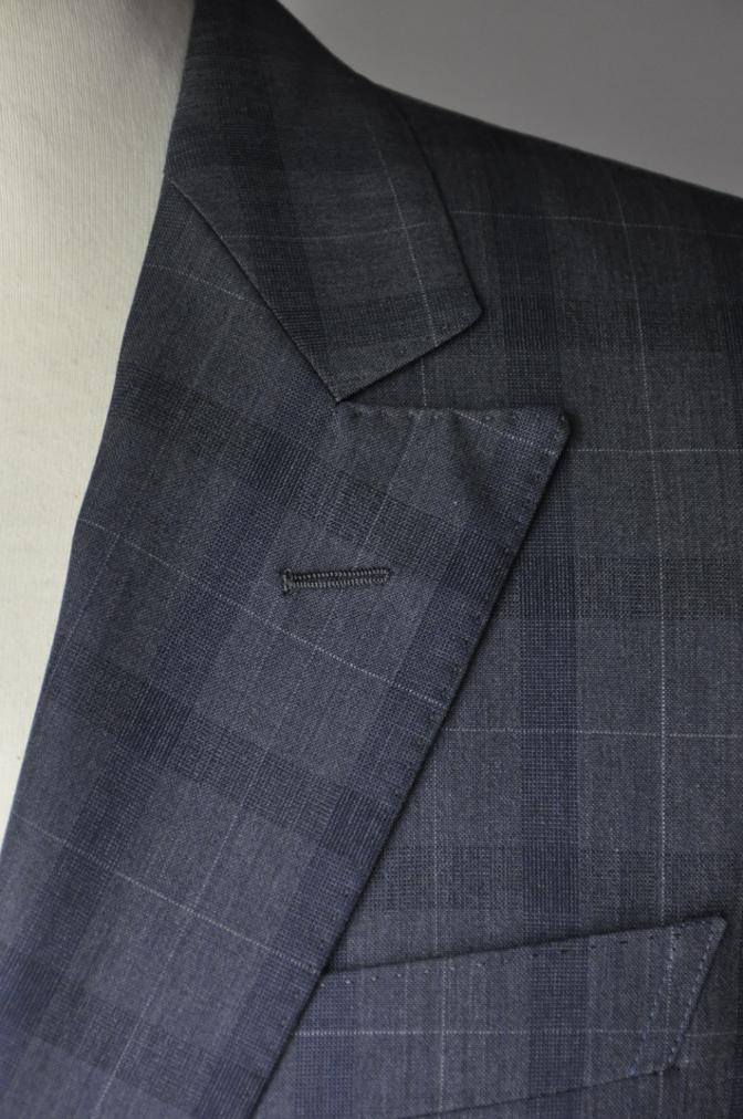 DSC2090 お客様のスーツの紹介- DORMEUIL Tropical Amadeusネイビーチェック-