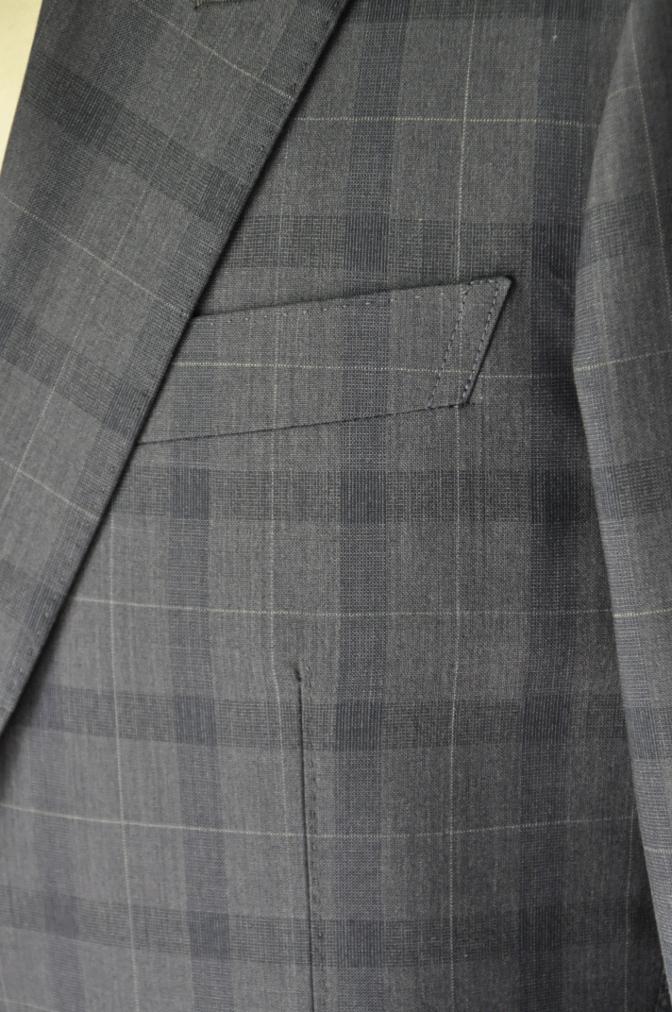 DSC2091 お客様のスーツの紹介- DORMEUIL Tropical Amadeusネイビーチェック-