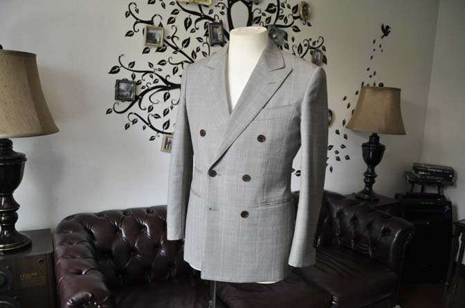 DSC2092-1 スーツのパーツ名称「ピークドラペル」