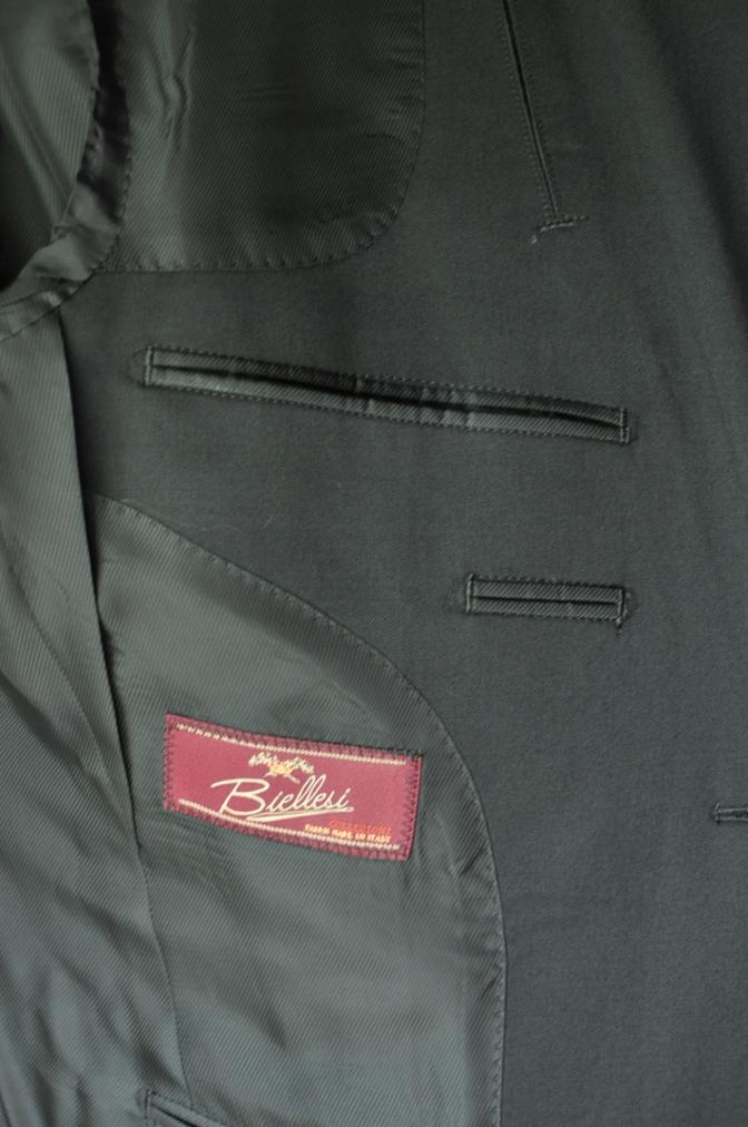 DSC20962 お客様のスーツの紹介- BIELLESI ブラックスリーピーススーツ-