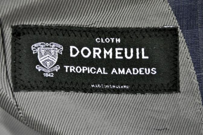 DSC20971 お客様のスーツの紹介- DORMEUIL Tropical Amadeusネイビーチェック-