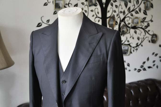 DSC2101 スーツのパーツ名称「ピークドラペル」