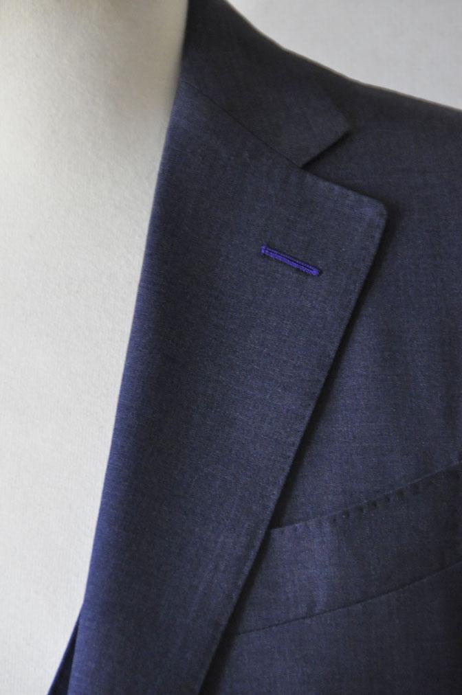 DSC21081 お客様のスーツの紹介-CANONICO 無地ネイビースリーピーススーツ -
