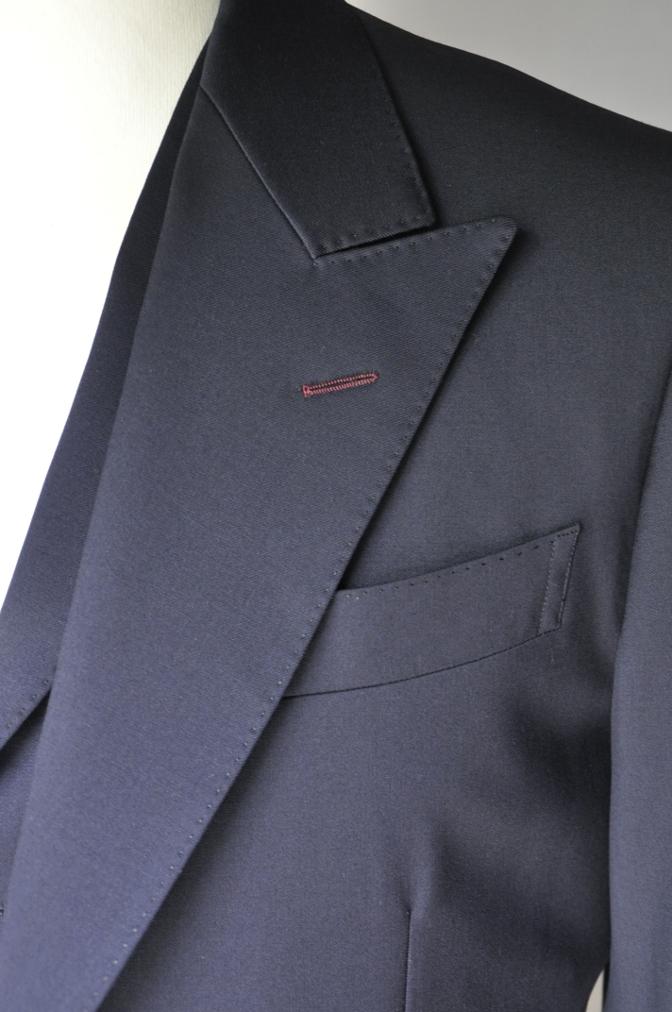 DSC2111 お客様のスーツの紹介- BIELLESI 無地ネイビースリーピース-