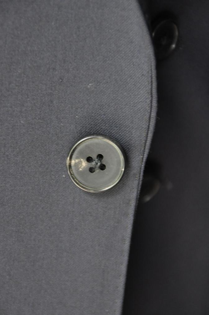 DSC2115 お客様のスーツの紹介- BIELLESI 無地ネイビースリーピース-