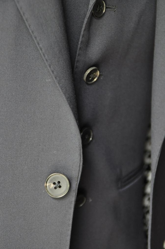 DSC21161 お客様のスーツの紹介- BIELLESI 無地ネイビースリーピース-