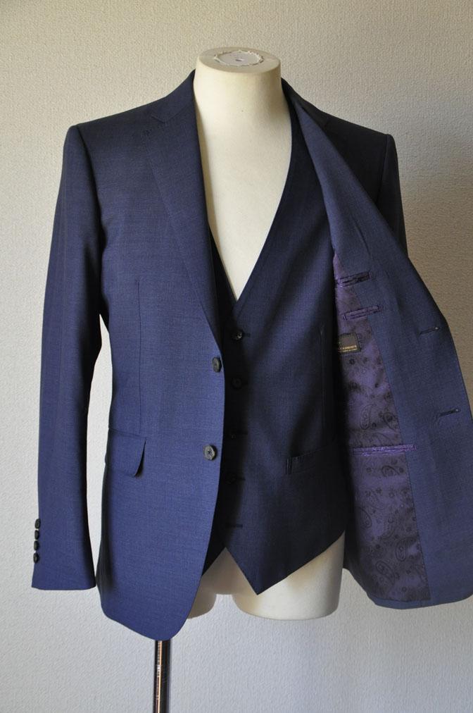 DSC21162 お客様のスーツの紹介-CANONICO 無地ネイビースリーピーススーツ -