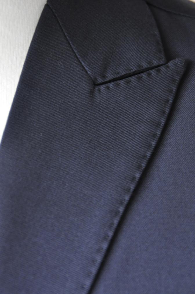 DSC2123 お客様のスーツの紹介- BIELLESI 無地ネイビースリーピース-