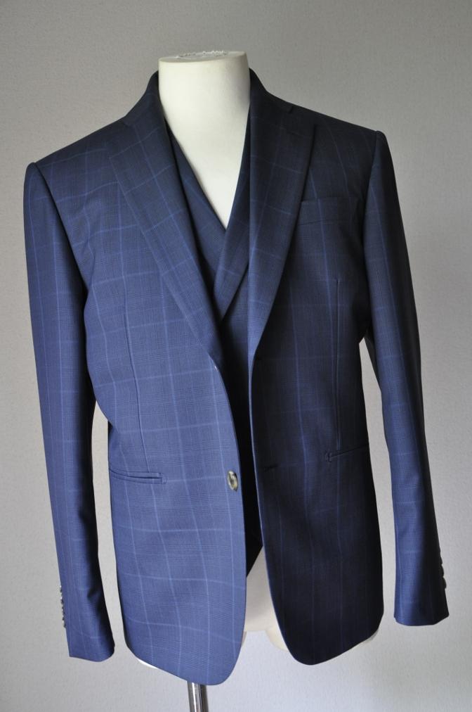 DSC2129 お客様のスーツの紹介-BIELLESI ネイビーチェック-