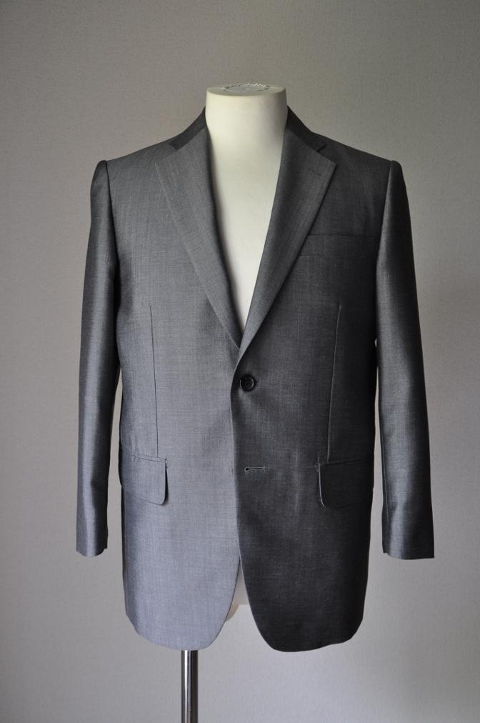 DSC2146 お客様のスーツの紹介- 御幸毛織 NAPOLENA(ナポレナ) 無地グレーモヘア-