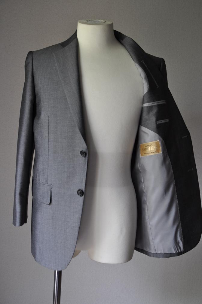 DSC2148 お客様のスーツの紹介- 御幸毛織 NAPOLENA(ナポレナ) 無地グレーモヘア-
