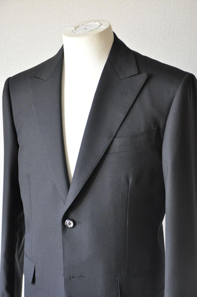 DSC2158 お客様のスーツの紹介-ブラックヘリンボーン -