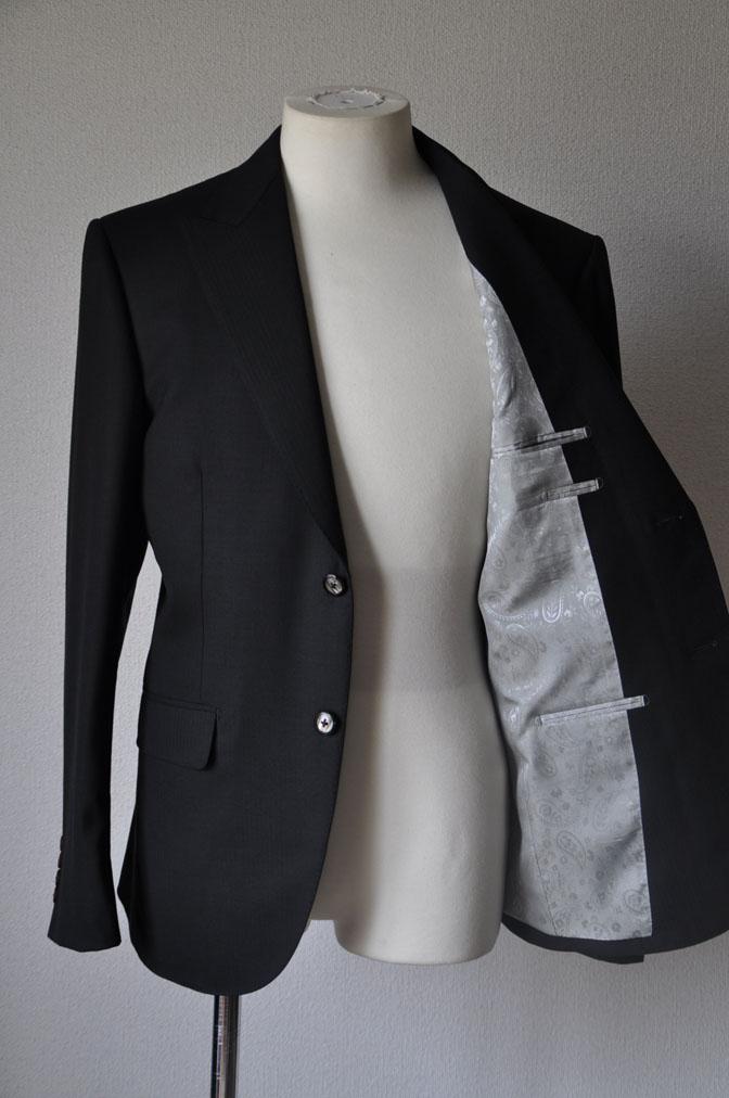 DSC2166 お客様のスーツの紹介-ブラックヘリンボーン -