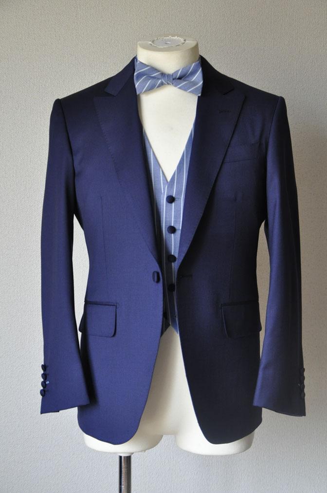 DSC21752 お客様のウエディング衣装の紹介-Biellesi 無地ネイビー ストライプベスト-