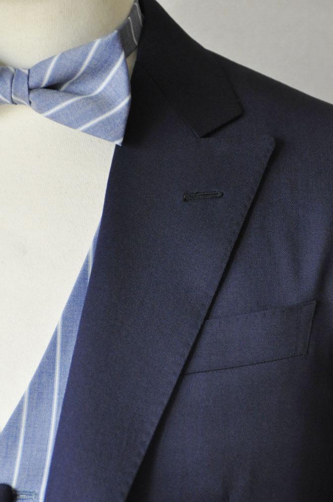 DSC21772 お客様のウエディング衣装の紹介-Biellesi 無地ネイビー ストライプベスト- 名古屋の完全予約制オーダースーツ専門店DEFFERT
