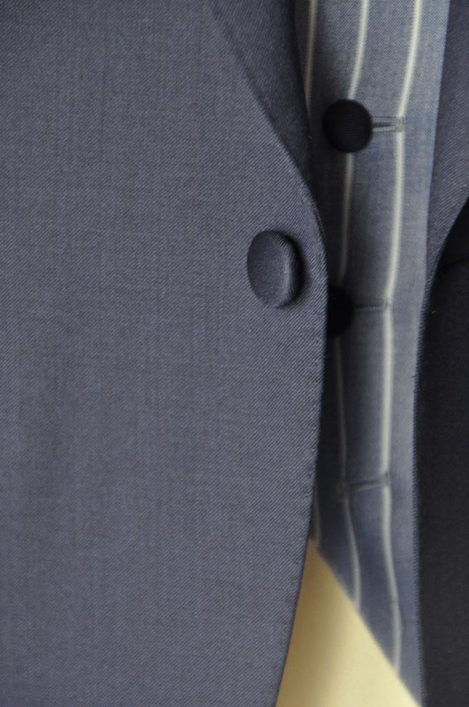 DSC21802 お客様のウエディング衣装の紹介-Biellesi 無地ネイビー ストライプベスト- 名古屋の完全予約制オーダースーツ専門店DEFFERT