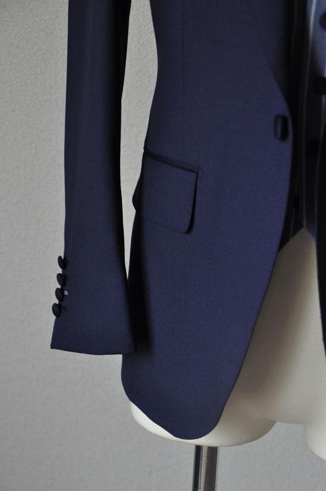 DSC21812 お客様のウエディング衣装の紹介-Biellesi 無地ネイビー ストライプベスト- 名古屋の完全予約制オーダースーツ専門店DEFFERT