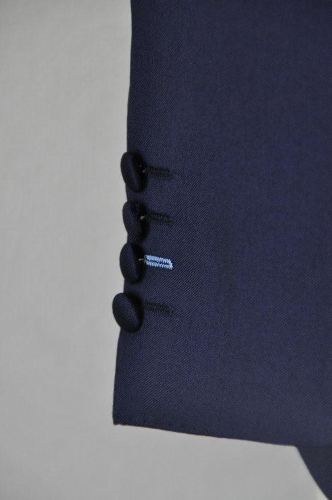 DSC21831 お客様のウエディング衣装の紹介-Biellesi 無地ネイビー ストライプベスト- 名古屋の完全予約制オーダースーツ専門店DEFFERT