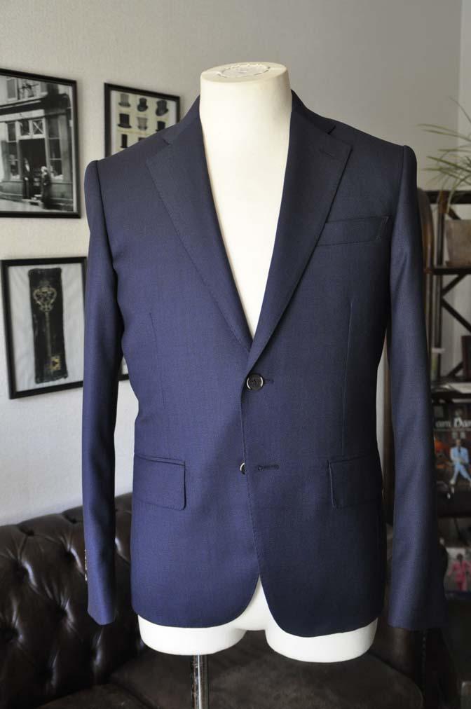 DSC21902 お客様のスーツの紹介- Biellesi ネイビーバーズアイ スーツ-