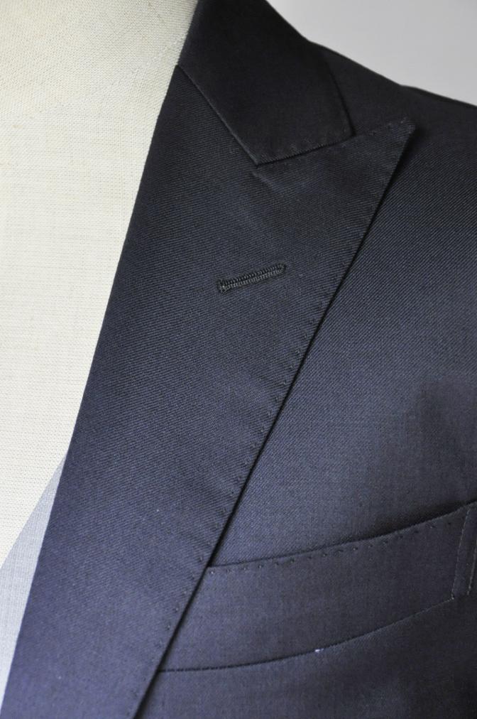 DSC2197 お客様のウエディング衣装の紹介- BIELLESI 無地ネイビースーツ グレーベスト チェックパンツ-