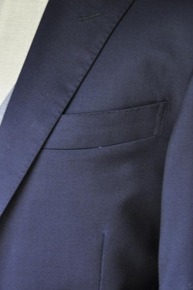 DSC2198 お客様のウエディング衣装の紹介- BIELLESI 無地ネイビースーツ グレーベスト チェックパンツ-