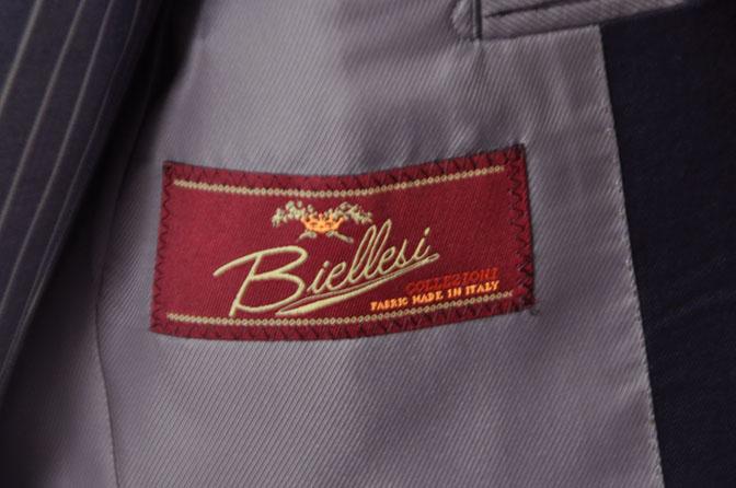DSC21981 お客様のウエディング衣装の紹介-Biellesi 無地ネイビー ストライプベスト- 名古屋の完全予約制オーダースーツ専門店DEFFERT