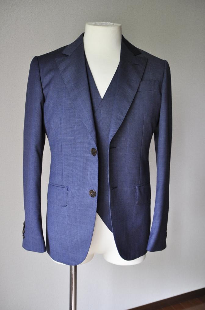 DSC2213 お客様のスーツの紹介- BIELLESI ネイビーチェックスリーピース-