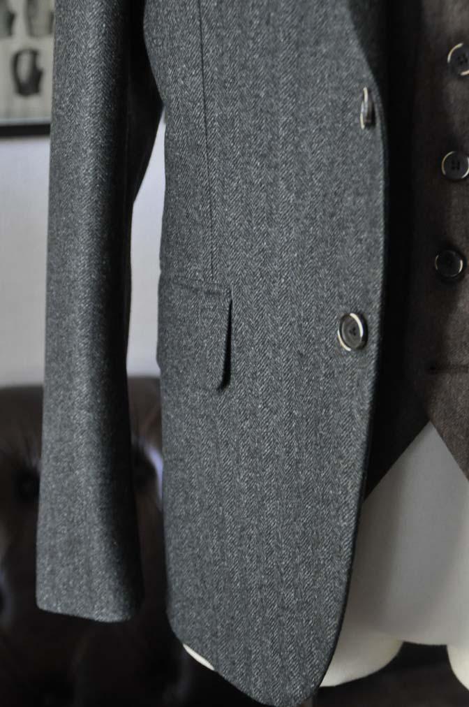 DSC22243 お客様のウエディング衣装の紹介- グリーンジャケット ブラウンベスト-DSC22243 お客様のウエディング衣装の紹介- グリーンジャケット ブラウンベスト- 名古屋市のオーダータキシードはSTAIRSへ