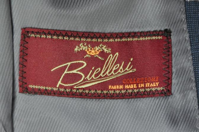 DSC22271 お客様のスーツの紹介- BIELLESI ネイビーチェックスリーピース-